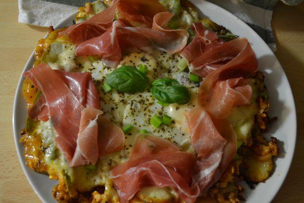 oszukana-pizza-na-ziemniakach-z-jajkiem-435869.jpg